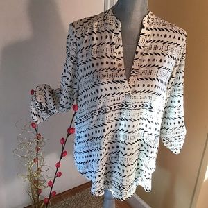 Lush Roll Sleeve Black and White Pullover Blouse M